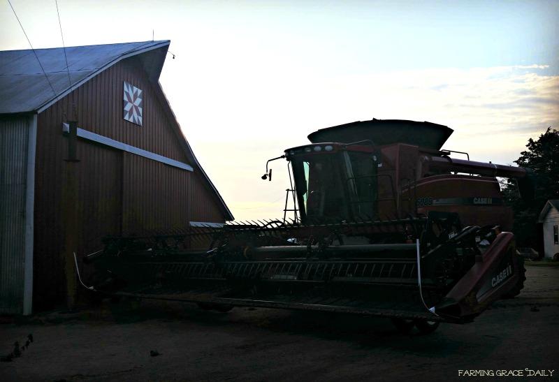 Home combine barn barn quilt