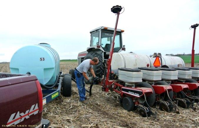 fertilizer farm corn